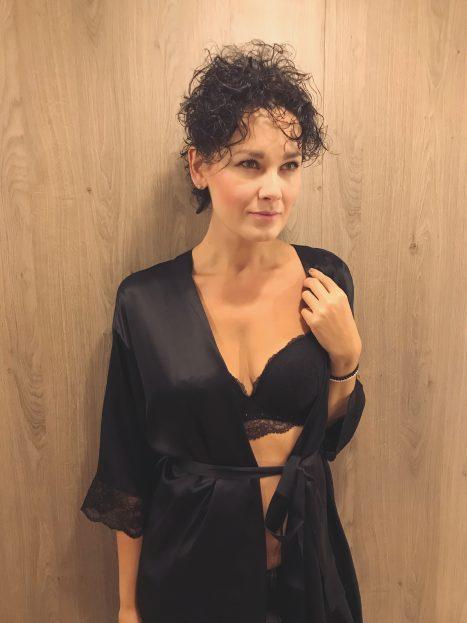 Seriál s Madam Podprsenka o dobře padnoucím prádle 4969b886fd